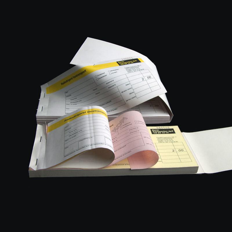 Selvkopierende faktura og regninger i bogform med dit tryk